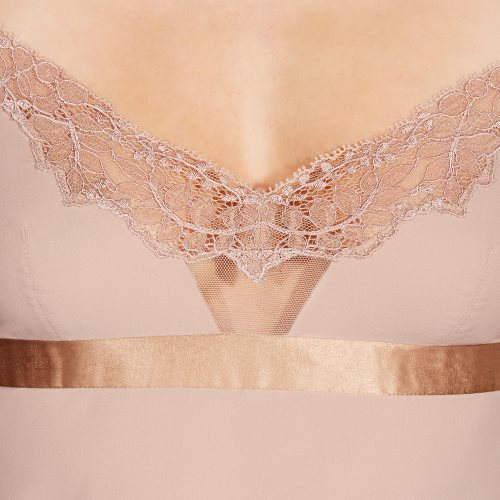 Andres Sarda - CINNAMON - top Front3
