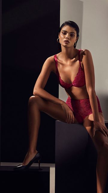 Andres Sarda TIZIANO Persian Red