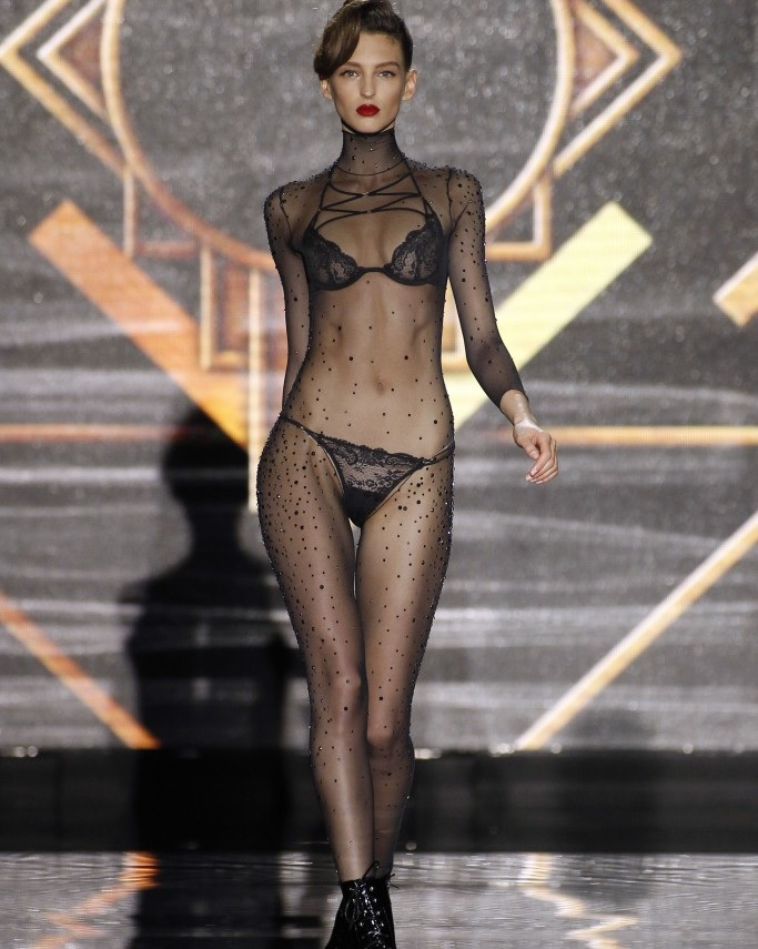 Andres Sarda | Fashion shows