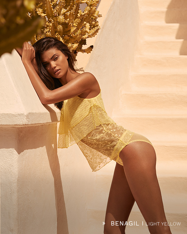 Andres Sarda | BENAGIL light yellow
